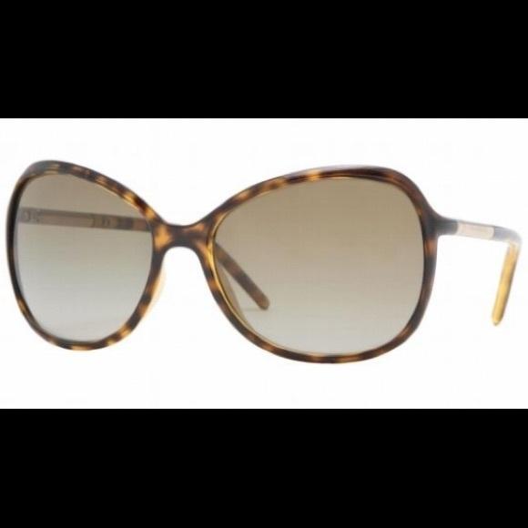 59c6436581 Burberry Accessories - ⭐️Price drop!!! Authentic Burberry Sunglasses!